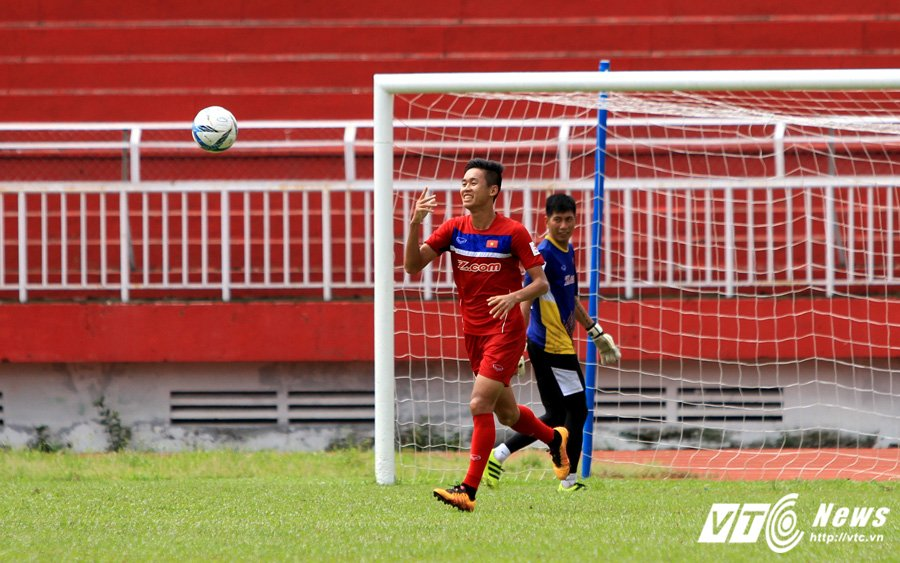 HLV Huu Thang chiu thua cai nong Sai Gon hinh anh 11