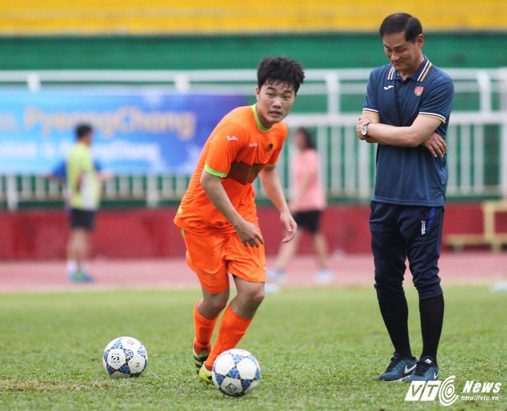 HLV Gangwon bat 'den xanh' cho Xuan Truong co hoi ra san hinh anh 1