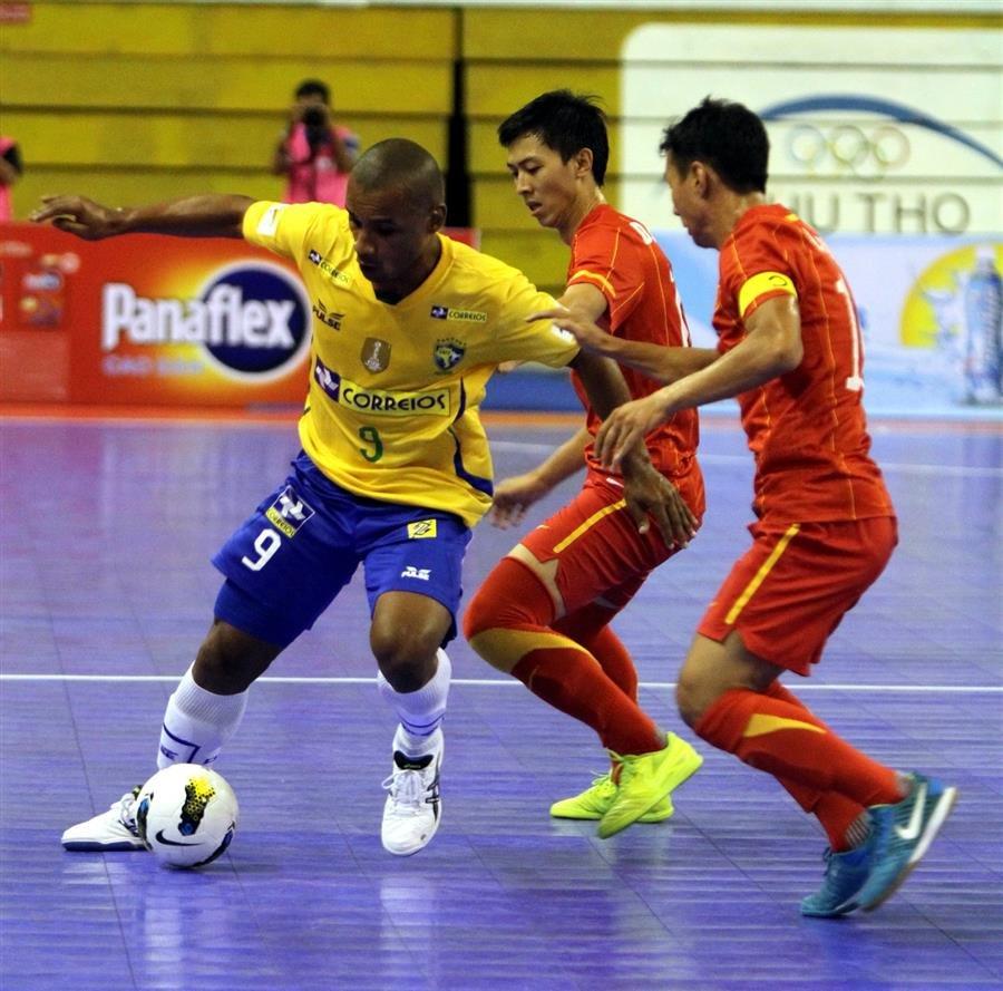 Tuyen Futsal Viet Nam tap trung: Lai bi nghi ngo uu ai Thai Son Nam, Thai Son Bac hinh anh 3