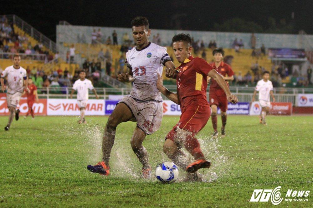 U22 Viet Nam vs U22 Dong Timor: Buoc ngoat Quang Hai, Phuong 'no' trong mua hinh anh 1