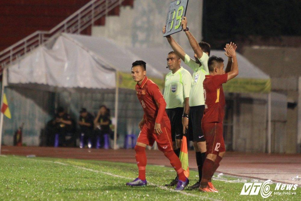 U22 Viet Nam vs U22 Dong Timor: Buoc ngoat Quang Hai, Phuong 'no' trong mua hinh anh 2
