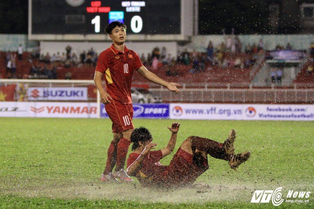 Truc tiep U22 Viet Nam vs U22 Han Quoc vong loai U23 chau A 2018 hinh anh 14