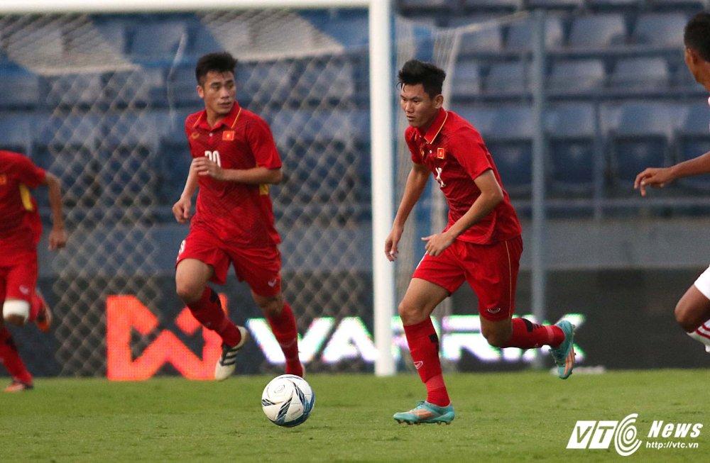 Dung hinh man 'khieu vu' cua U23 Viet Nam tren san bong Ngoai hang hinh anh 21