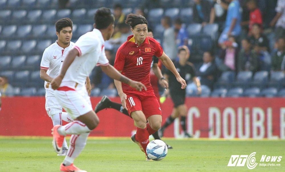 Dung hinh man 'khieu vu' cua U23 Viet Nam tren san bong Ngoai hang hinh anh 4