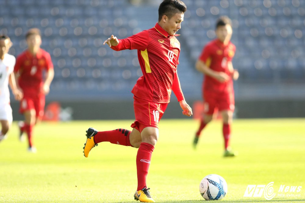 Dung hinh man 'khieu vu' cua U23 Viet Nam tren san bong Ngoai hang hinh anh 5