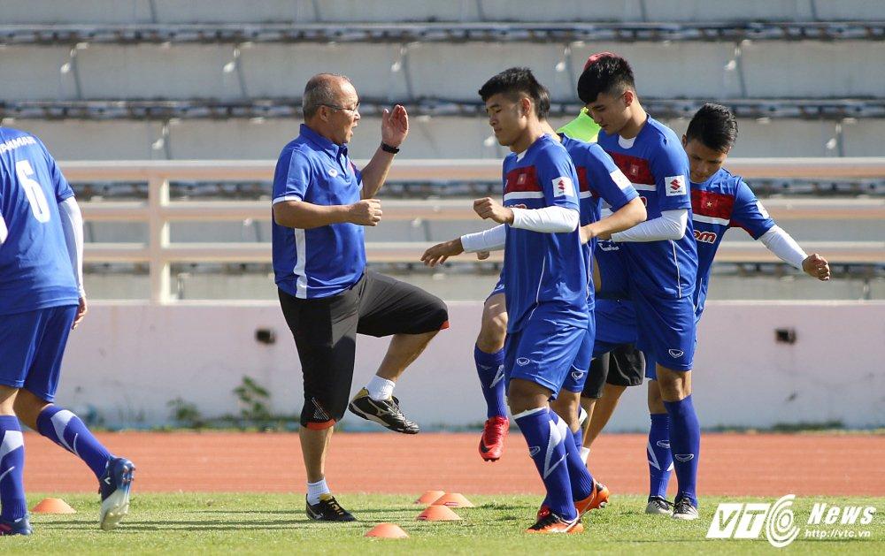 HLV Park Hang Seo: 'Ong bo' tan tuy cua U23 Viet Nam hinh anh 13