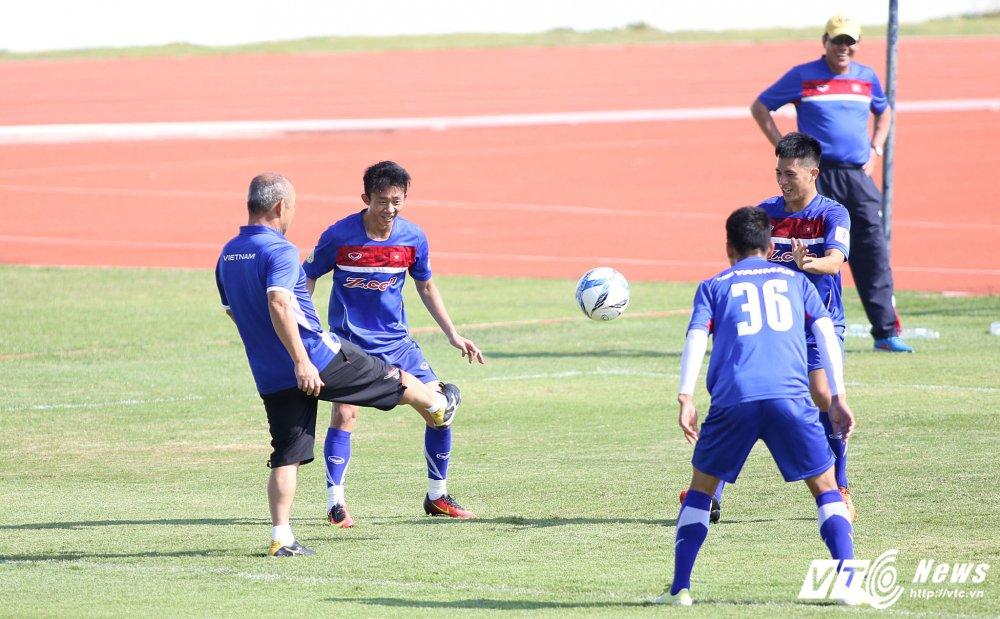 HLV Park Hang Seo: 'Ong bo' tan tuy cua U23 Viet Nam hinh anh 19