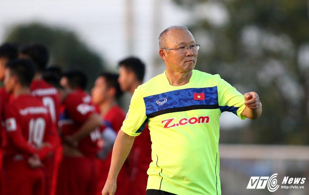 HLV Park Hang Seo: 'Ong bo' tan tuy cua U23 Viet Nam hinh anh 6