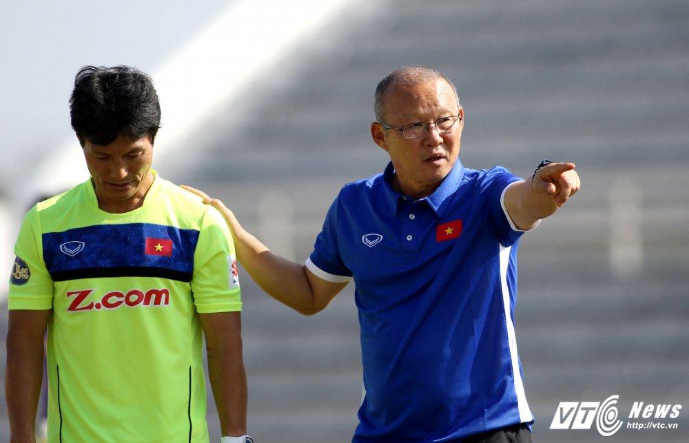 HLV Park Hang Seo: 'Ong bo' tan tuy cua U23 Viet Nam hinh anh 9