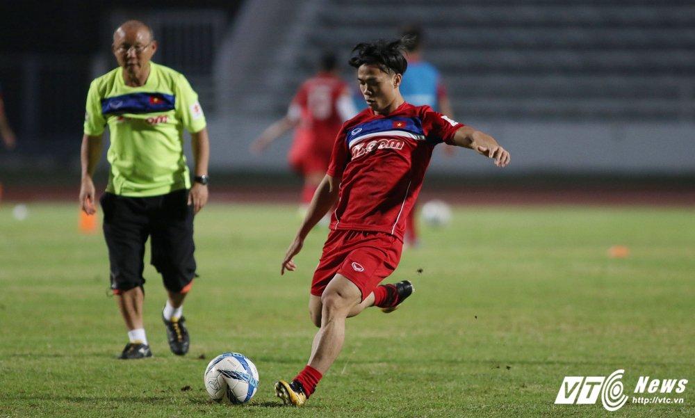 Miet mai tap sut, hang cong U23 Viet Nam van bi 'lac dau' hinh anh 5