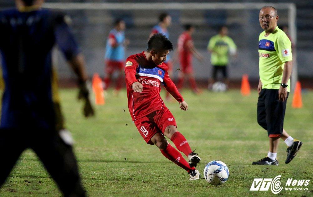 Miet mai tap sut, hang cong U23 Viet Nam van bi 'lac dau' hinh anh 8