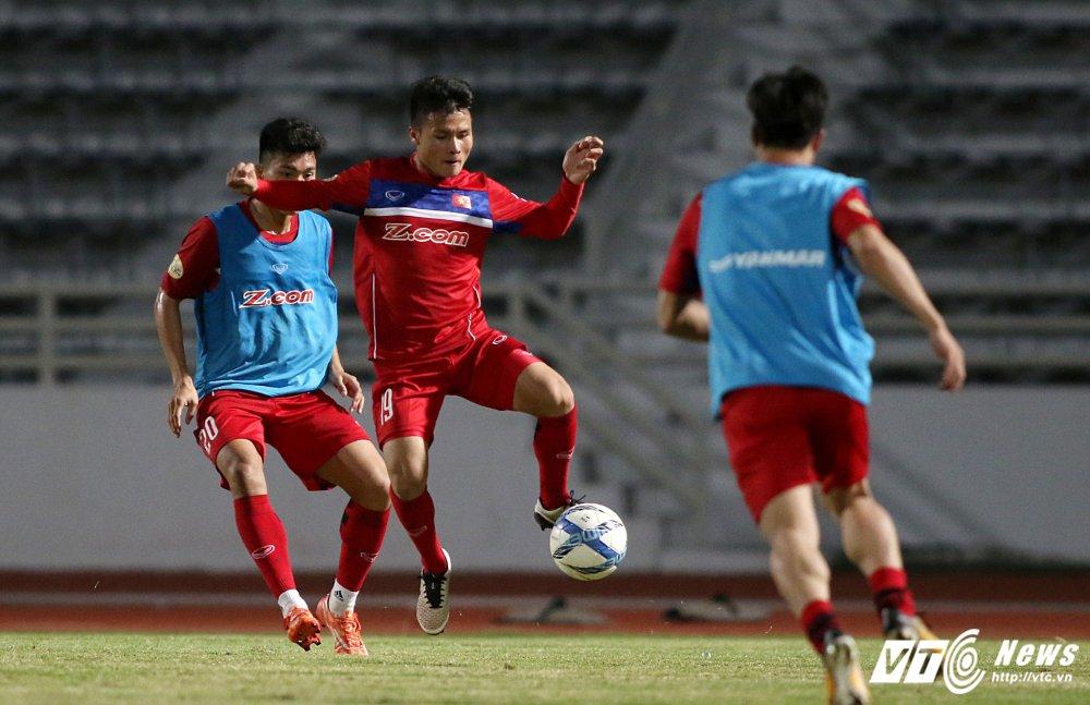 Miet mai tap sut, hang cong U23 Viet Nam van bi 'lac dau' hinh anh 13