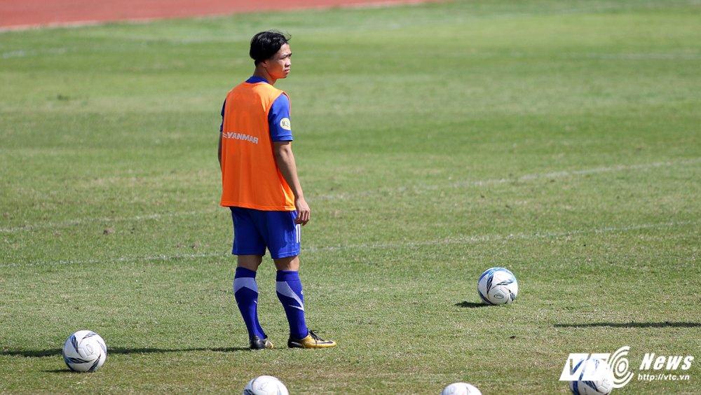 Sut qua toi, Cong Phuong bi thay Park Hang Seo 'phat' tap rieng hinh anh 3