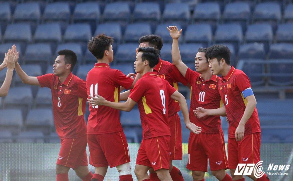 Thang U23 Thai Lan, HLV Park Hang Seo nhay cang vui suong hinh anh 1