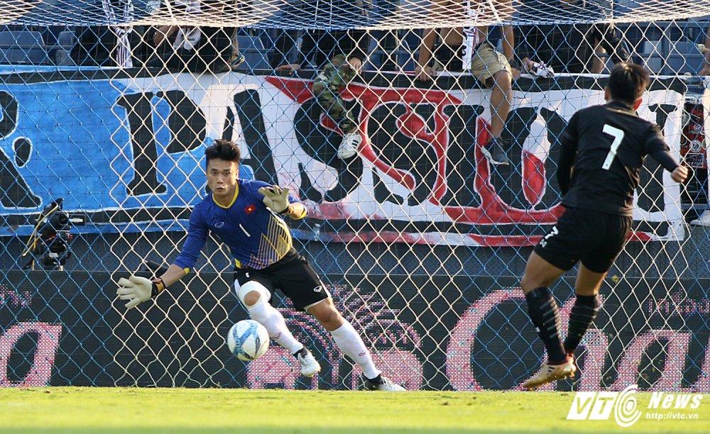 Thang U23 Thai Lan, HLV Park Hang Seo nhay cang vui suong hinh anh 12