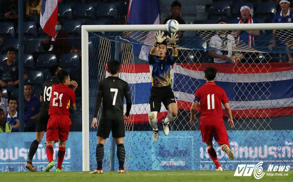 Thang U23 Thai Lan, HLV Park Hang Seo nhay cang vui suong hinh anh 13