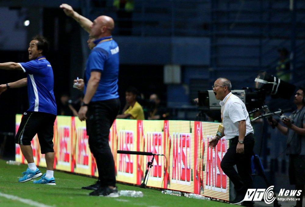 Thang U23 Thai Lan, HLV Park Hang Seo nhay cang vui suong hinh anh 6