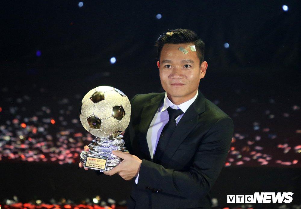 Thanh Trung, Quang Hai lot top cau thu xuat sac nhat Dong Nam A hinh anh 1