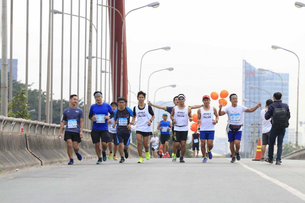A hau Duong Tu Anh tranh tai giai Marathon TPHCM 2018 hinh anh 10