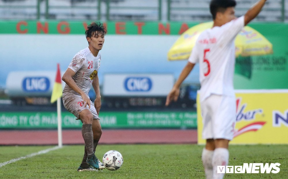 Tuan Anh tro lai, HAGL thang nguoc DKVD V-League 2017 hinh anh 10