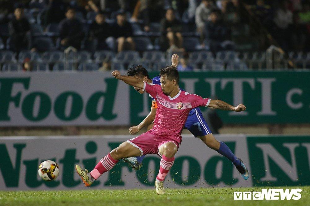 NutiCafe V-League 2018: DKVD Quang Nam danh roi chien thang ngay khai mac hinh anh 10