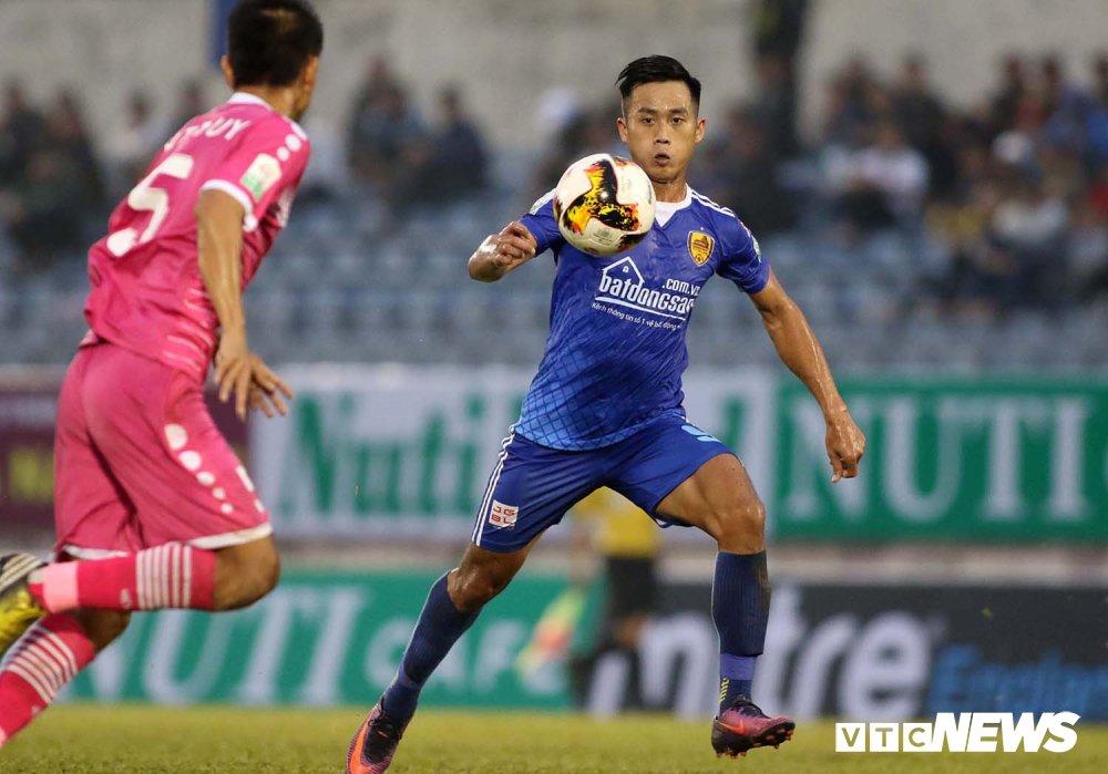 NutiCafe V-League 2018: DKVD Quang Nam danh roi chien thang ngay khai mac hinh anh 5