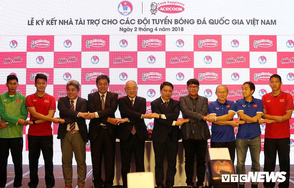 U23 Viet Nam thanh cong, VFF don them tai tro khung hinh anh 2