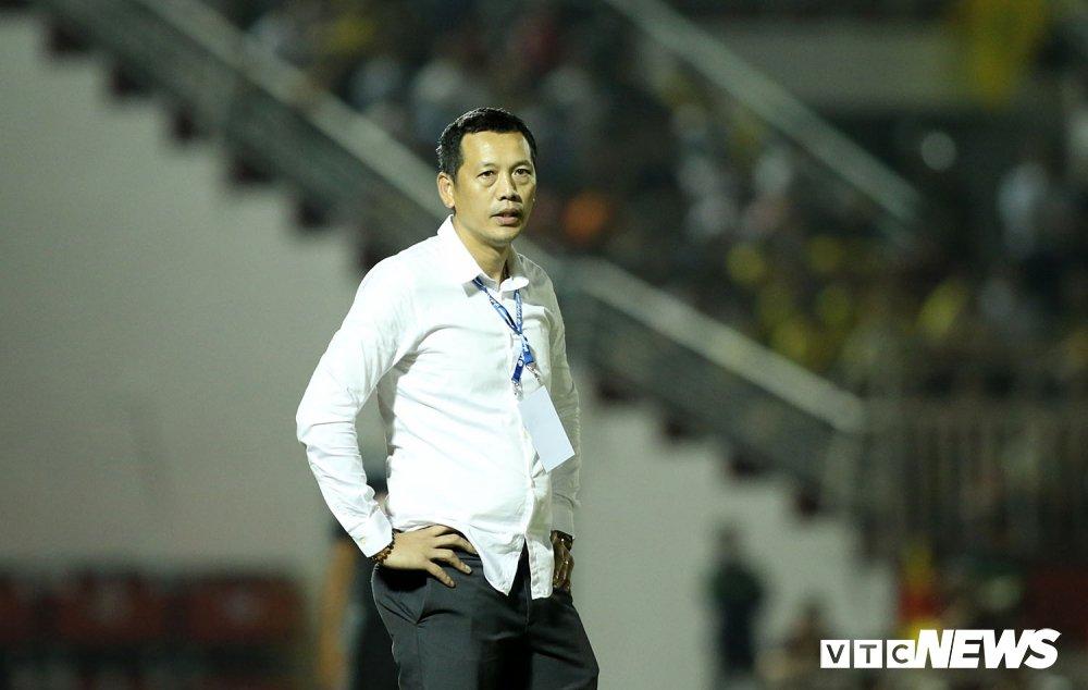 'Ronaldo Viet Nam' am uc khoc trong ngay doi Cong Vinh lam dieu chua tung co o V-League hinh anh 20