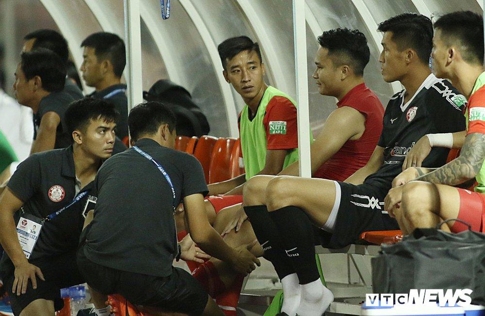 'Ronaldo Viet Nam' am uc khoc trong ngay doi Cong Vinh lam dieu chua tung co o V-League hinh anh 7