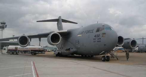May bay Boeing C17 trong doan cua Tong thong Obama vua roi TP.HCM hinh anh 1