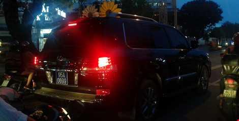 Gan bien xanh cho xe Lexus di muon: Pho Chu tich Hau Giang da tra lai bien hinh anh 1