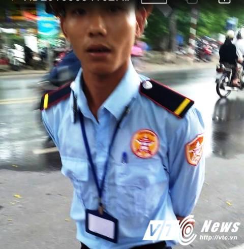 Xe cho dat 'lam loan' duong pho Hue: Bao ve cong trinh doi xoa du lieu cua phong vien hinh anh 3