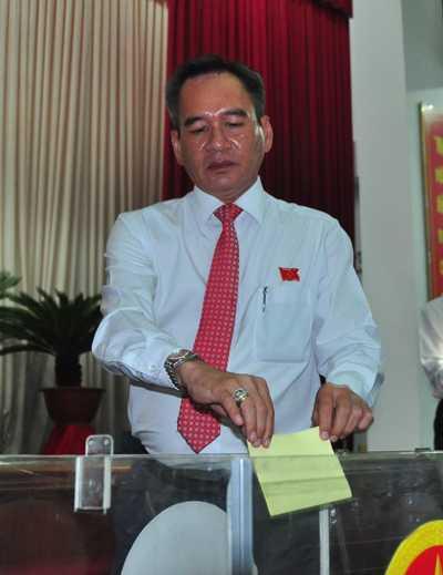 Ong Trinh Xuan Thanh khong co ten trong danh sach ung cu Pho chu tich Hau Giang hinh anh 1