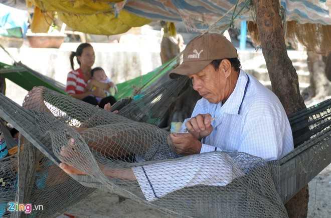 Hang tram nguoi dan Quang Ngai keo vao rung mac vong ngu hinh anh 9