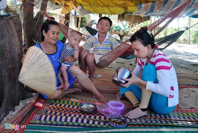 Hang tram nguoi dan Quang Ngai keo vao rung mac vong ngu hinh anh 4