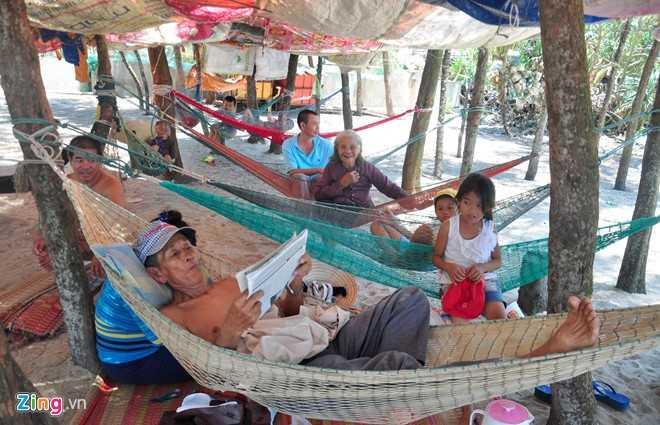 Hang tram nguoi dan Quang Ngai keo vao rung mac vong ngu hinh anh 5