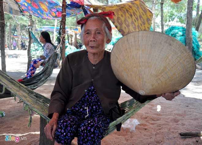 Hang tram nguoi dan Quang Ngai keo vao rung mac vong ngu hinh anh 6