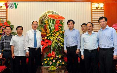 Ong Nguyen Thien Nhan chuc mung Cong thong tin dien tu Chinh phu hinh anh 2