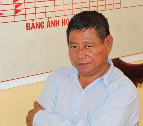 Trung ta Campuchia nhau voi can bo quan ly thi truong An Giang truoc khi ban nguoi hinh anh 1