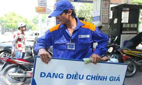 Xang tang cuc manh, them 919 dong/lit hinh anh 1