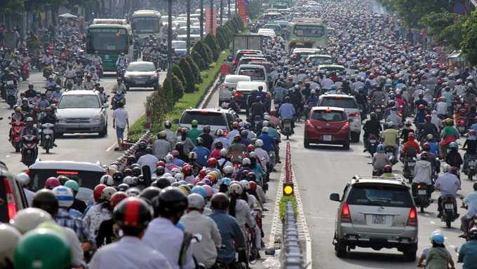 Giai phap chong un tac giao thong doc nhat vo nhi o Viet Nam: Taxi dien tren khong hinh anh 1