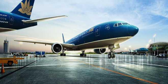 Hai 'dai gia' Vietnam Airlines va Viettel bat tay chien luoc hinh anh 1