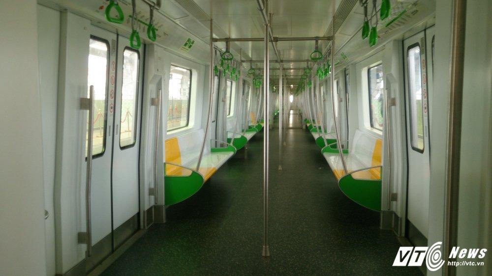 Anh: Dan Thu do tan mat kham pha ga duong sat tren cao Cat Linh-Ha Dong hinh anh 4