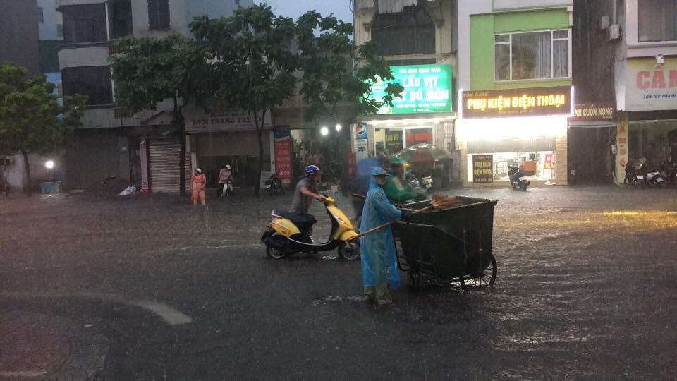 Canh bao mua dong manh tren vinh Bac Bo va vung bien phia Nam hinh anh 1