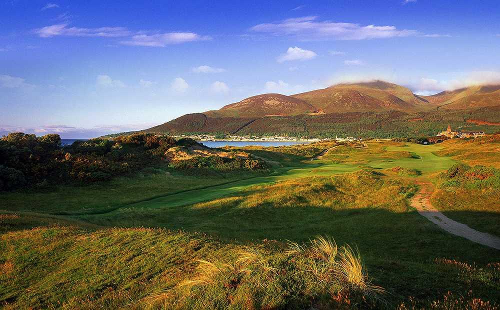 Me man Royal County Down Golf Club- mot trong nhung san golf lau doi nhat Ireland hinh anh 1