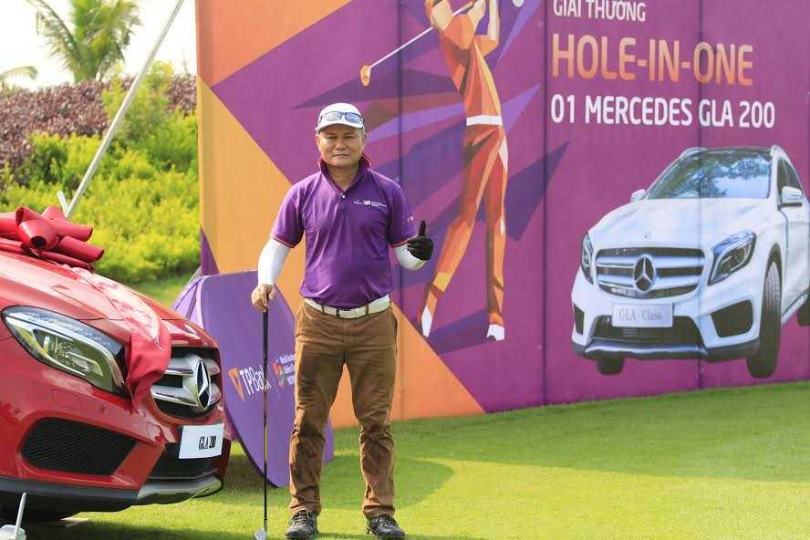 Golf thu Duong Ngoc Duong danh 'hole in one', nhan ngay xe hoi 1,5 ty hinh anh 1