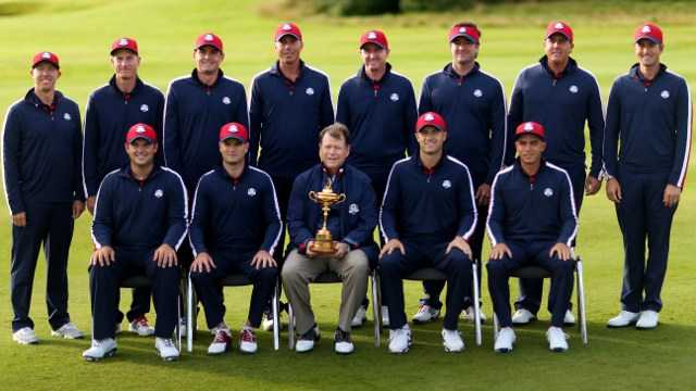 Chiec cup danh gia Ryder Cup tro lai voi doi tuyen My hinh anh 1