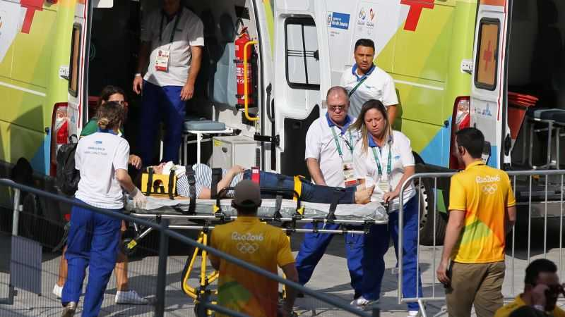 Olympic Rio 2016: Camera tuot cap, roi xuong dau co dong vien hinh anh 2