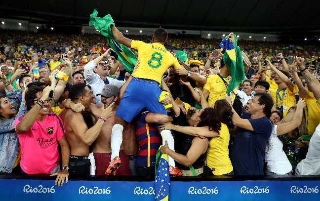 Bang tong sap huy chuong Olympic ngay 15: Brazil gianh HCV bong da, nong cuoc dua Trung Quoc-Anh hinh anh 3