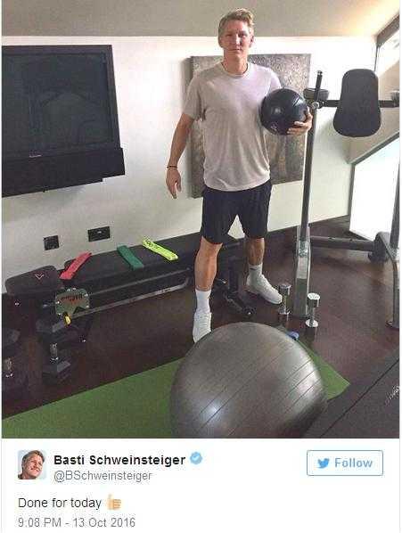 Bastian Schweinsteiger gui 'toi hau thu' cho Man United hinh anh 1